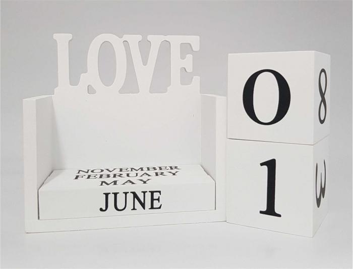 Calendar LOVE din Lemn, 14 x 7x 14 cm, Alb 2