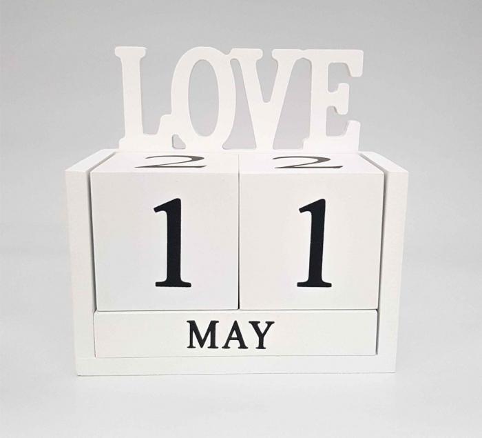 Calendar LOVE din Lemn, 14 x 7x 14 cm, Alb 1