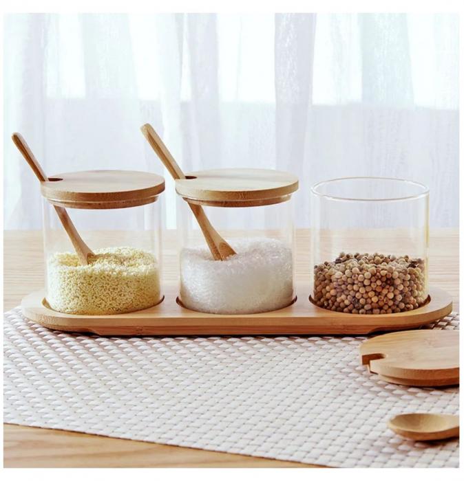 Set pentru condimente, 3 recipiente sticla Borosilicata, cu lingurite, capace si tava din bambus, 30x10x10 cm 4