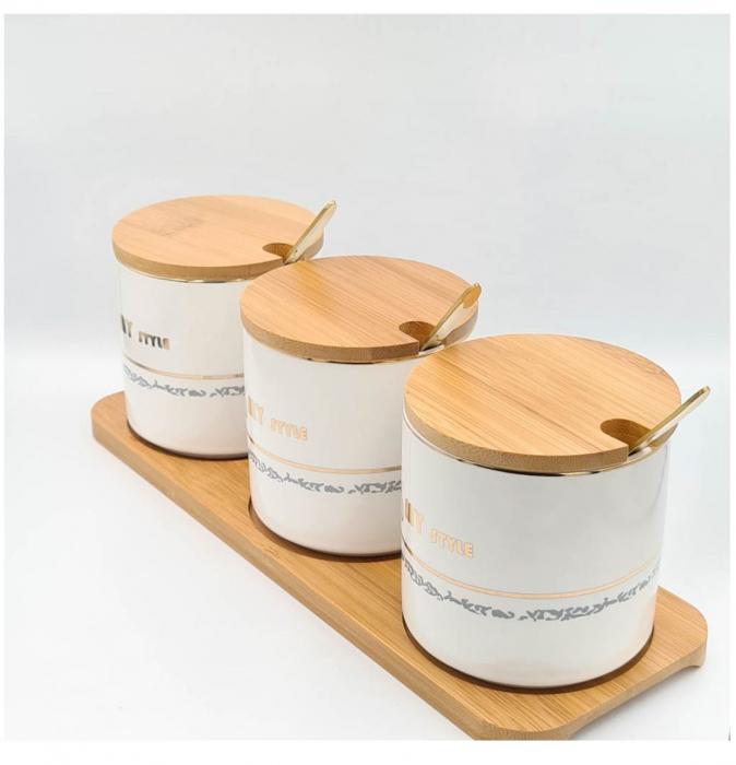 Set pentru Condimente 3 recipiente  ceramice cu lingurite si tava din Bambus, My Style 1