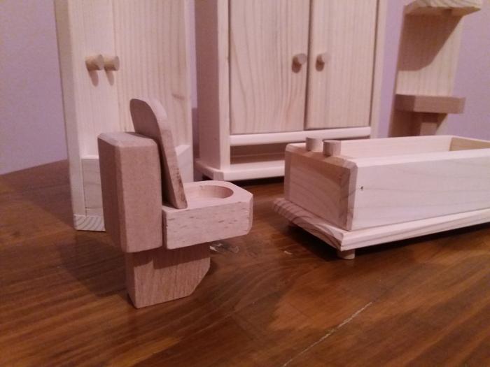 Set mobilier de baie din lemn natur pentru papusi [2]
