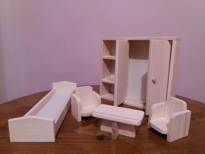 Set mobilier dormitor din lemn natur pentru papusi [1]