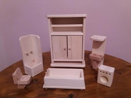 Set mobilier de baie din lemn natur pentru papusi [1]