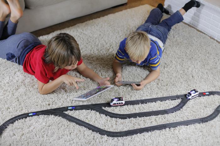 Intelino - trenuleț electric programabil 2