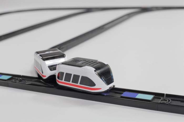 Intelino - trenuleț electric programabil 3