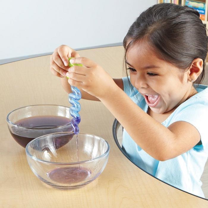 Learning Resources Set ustensile pentru experimente - Apă și Nisip 1