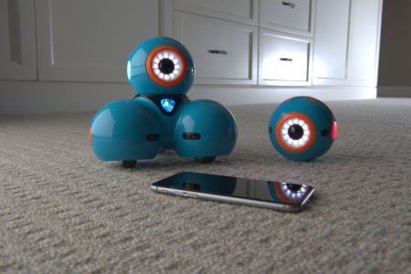 DOT Robotul amuzant de la Wonder Workshop2