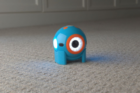 DOT Robotul amuzant de la Wonder Workshop4