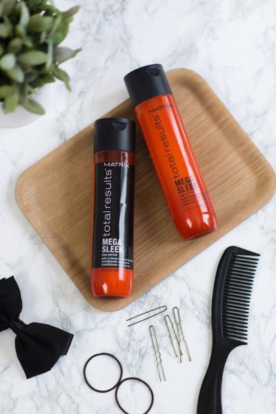 Șampon Pentru Păr Rebel Total Results Mega Sleek, 300ml Matrix 2