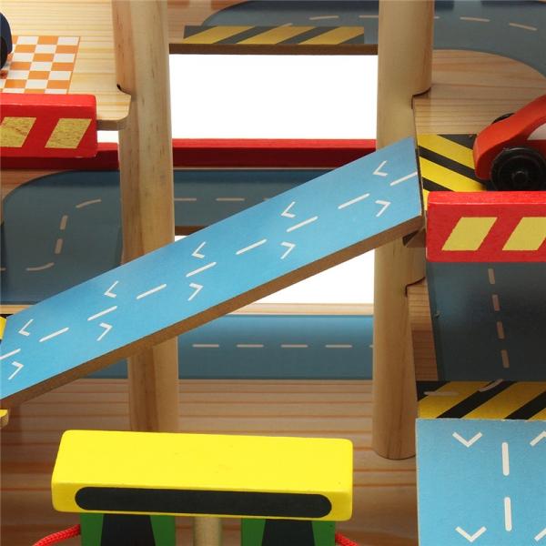 Jucarie Parcare din lemn Public Garage cu accesorii 6