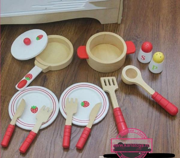 Set Bucatarie si Frigider de lemn Capsunica - Bucatarie si Frigider din lemn pentru copii 8