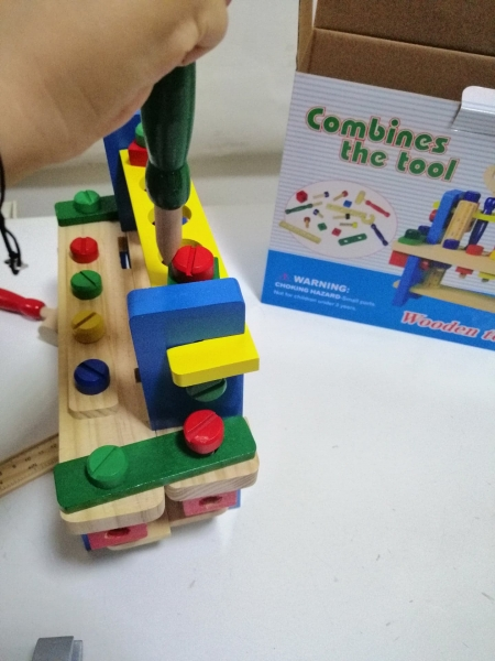 Banc de scule din lemn pentru copii 4