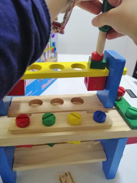 Banc de scule din lemn pentru copii 7