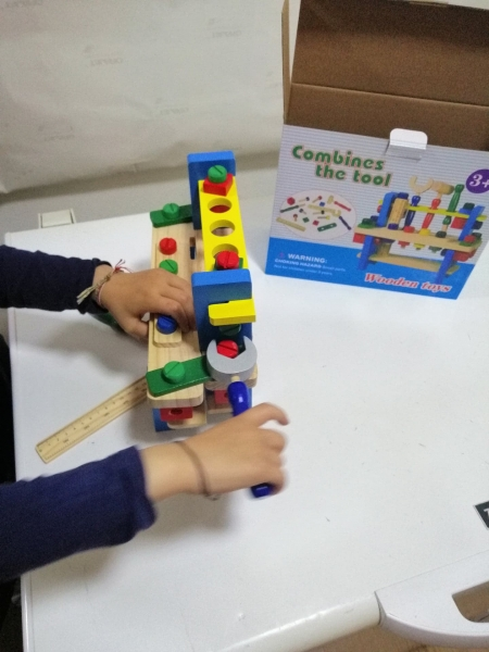 Banc de scule din lemn pentru copii 6