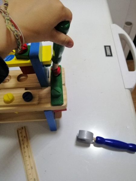 Banc de scule din lemn pentru copii 8