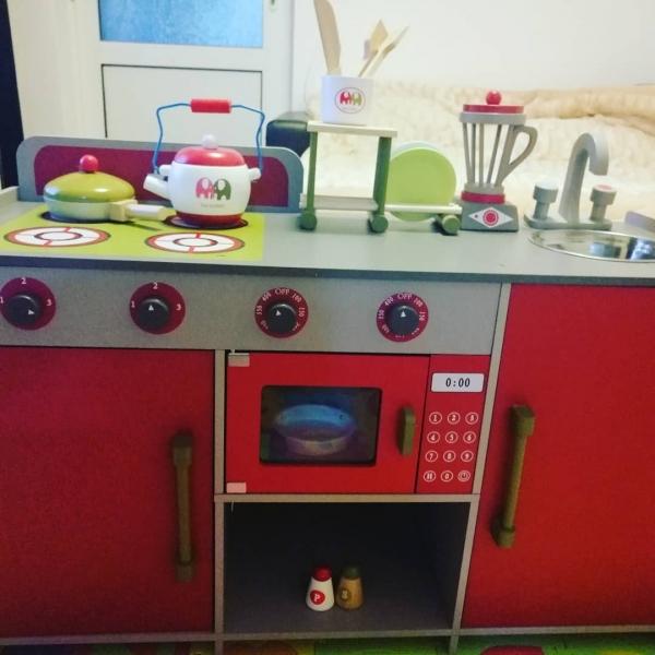 Bucatarie de lemn copii Dubla European Kitchen  cu accesorii 14