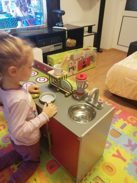 Bucatarie de lemn copii Dubla European Kitchen  cu accesorii 16
