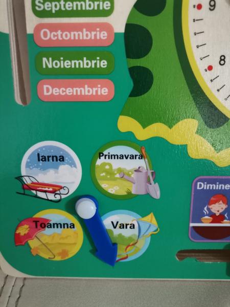 Calendar si ceas din lemn Broscuta in limba romana [4]