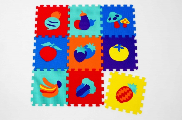 Set puzzel 10 piese cu fructe si legume - Covoras puzzle fructe si legume 0