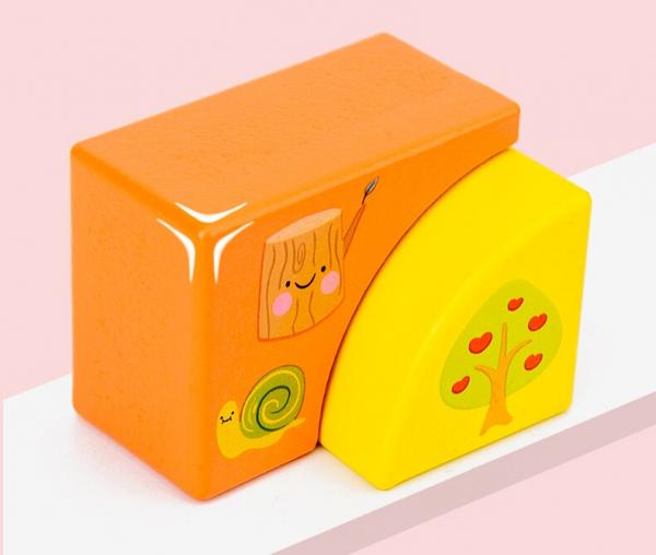 Set Cuburi de constructie cu animale din lemn cu cutie 1