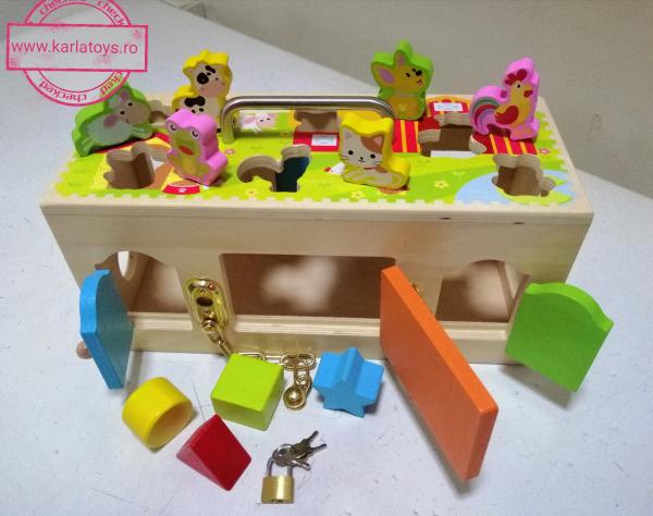 Cutia incuie si deschuie din lemn cu forme si animale - Joc montessori Cutia cu incuietori 2