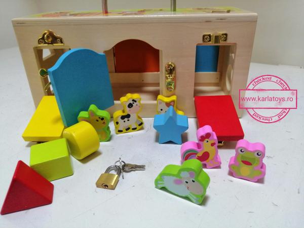 Cutia incuie si deschuie din lemn cu forme si animale - Joc montessori Cutia cu incuietori 3