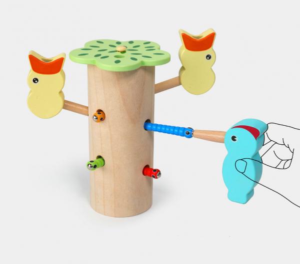 Joc de lemn Dexteritate Magnetic Copacul cu Pui 4