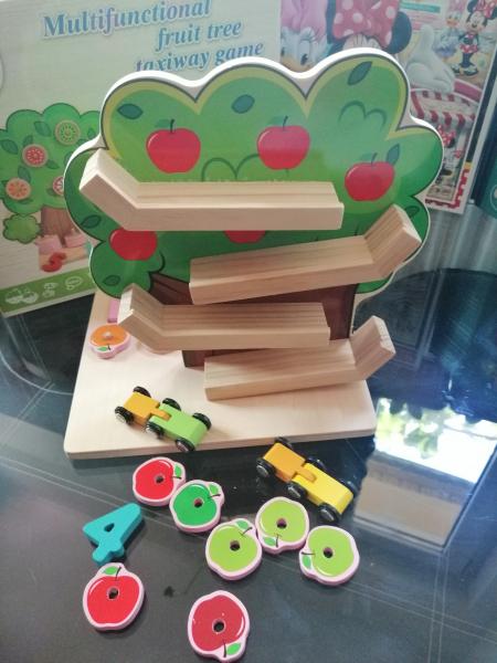 Joc din Lemn Pomul Multifunctional, Pista, Cifre si Fructe 4