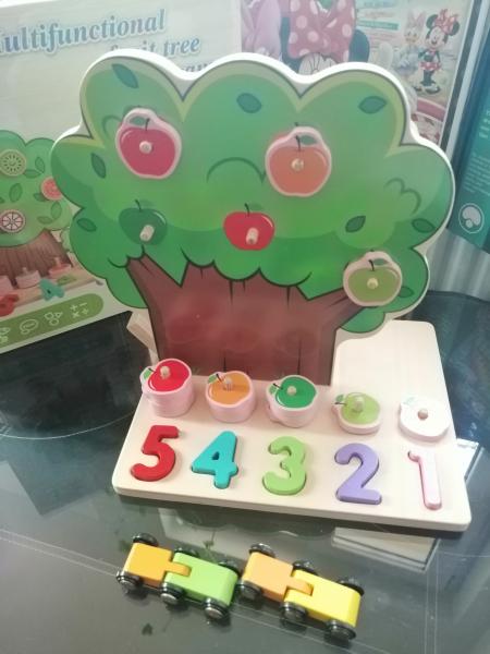 Joc din Lemn Pomul Multifunctional, Pista, Cifre si Fructe 2