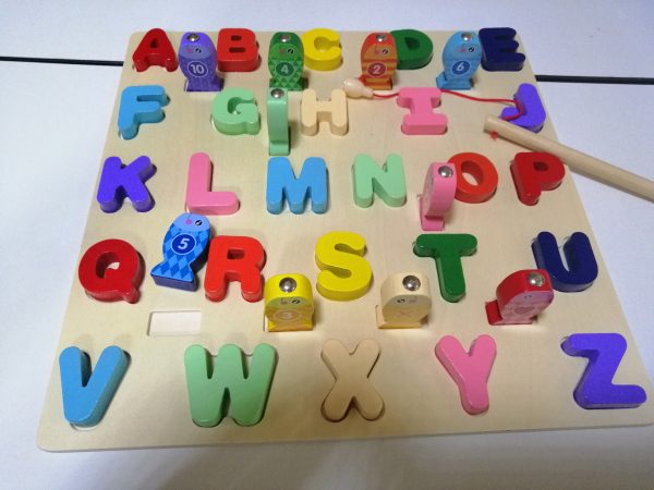 Joc Lemn Puzzle Litere si Joc de Pescuit  - Joc Puzzle Lemn Litere Mari 2 in 1 3