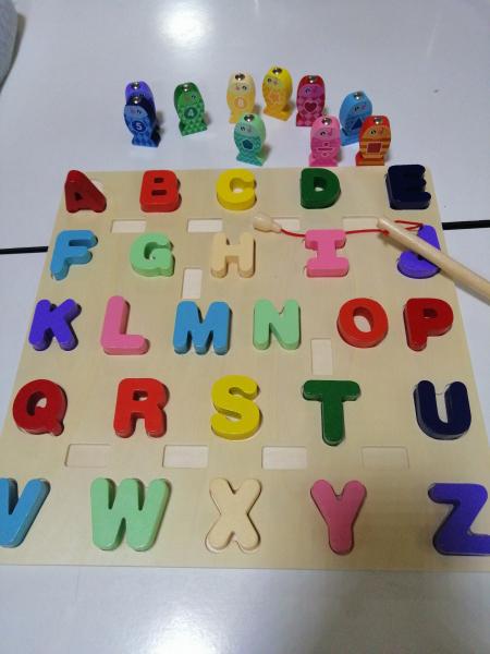 Joc Lemn Puzzle Litere si Joc de Pescuit  - Joc Puzzle Lemn Litere Mari 2 in 1 1