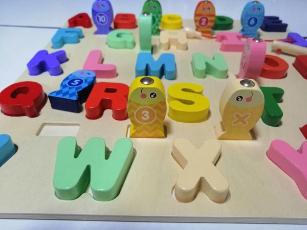 Joc Lemn Puzzle Litere si Joc de Pescuit  - Joc Puzzle Lemn Litere Mari 2 in 1 4