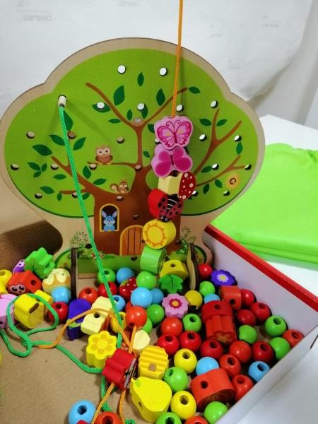 Jucarie de lemn snuruit Copacul - Anotimurile cu margele si fructe 10