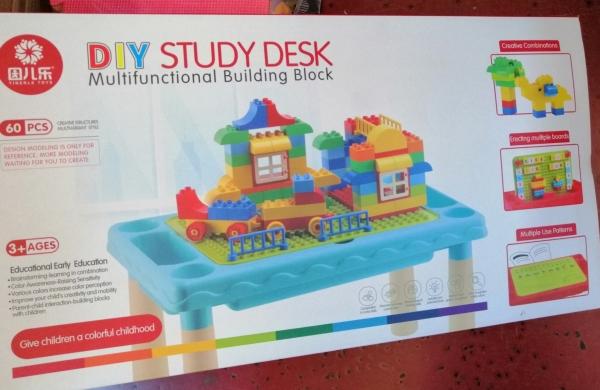 Masuta 3 in 1 tip Lego cu 60 piese 2