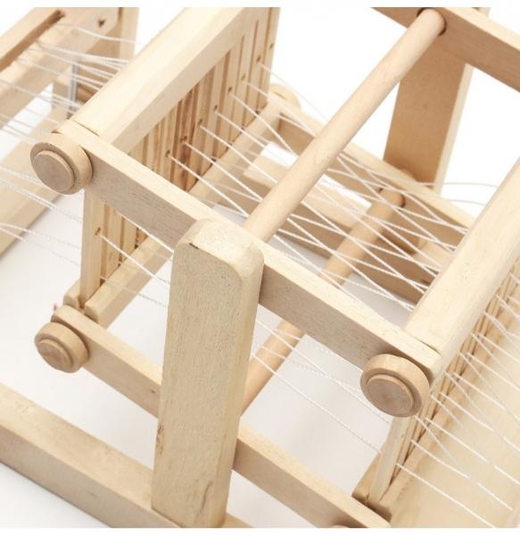 Jucarie de Tesut pentru copii din lemn 2