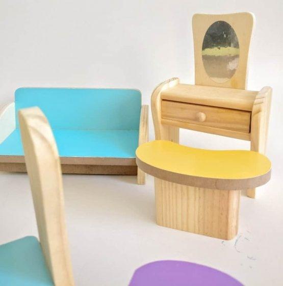 Set Mobilier din lemn pentru papusi dora 1