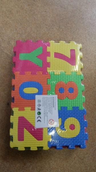 Set de puzzel cifre si litere 36 de buc de Birou 1
