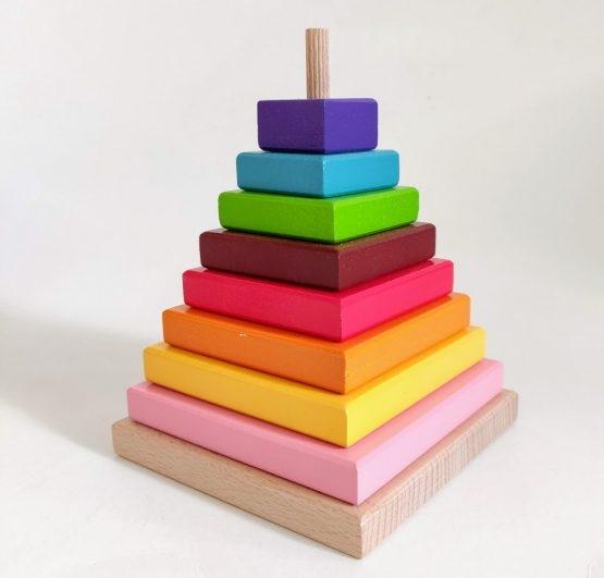 Piramida din lemn Crucubeu 0