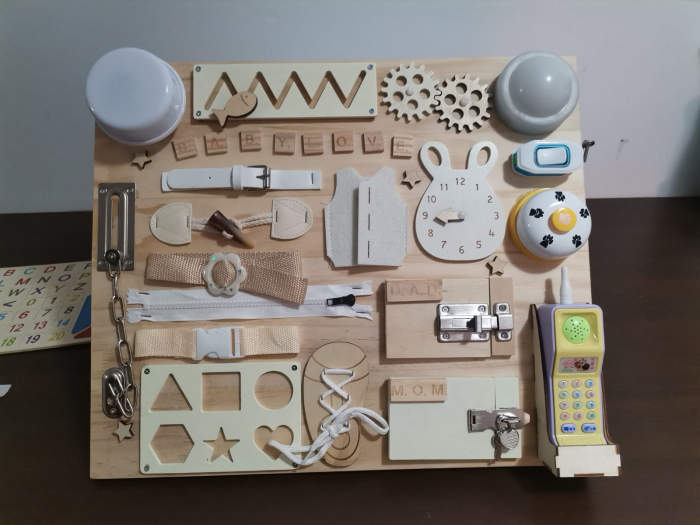 Placa din lemn Montessori Senzoriala Incuietori Busy Board 2 in 1 [13]