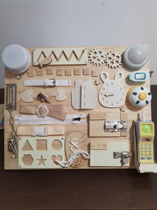 Placa din lemn Montessori Senzoriala Incuietori Busy Board 2 in 1 [1]