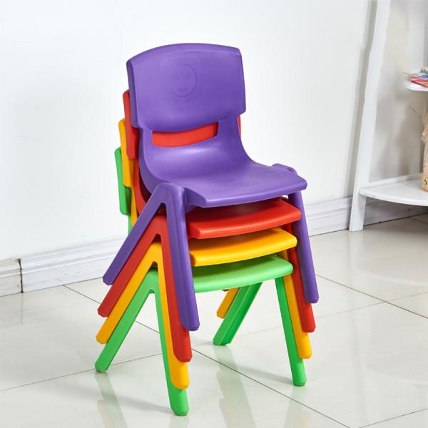 Scaun din plastic pentru copii 4