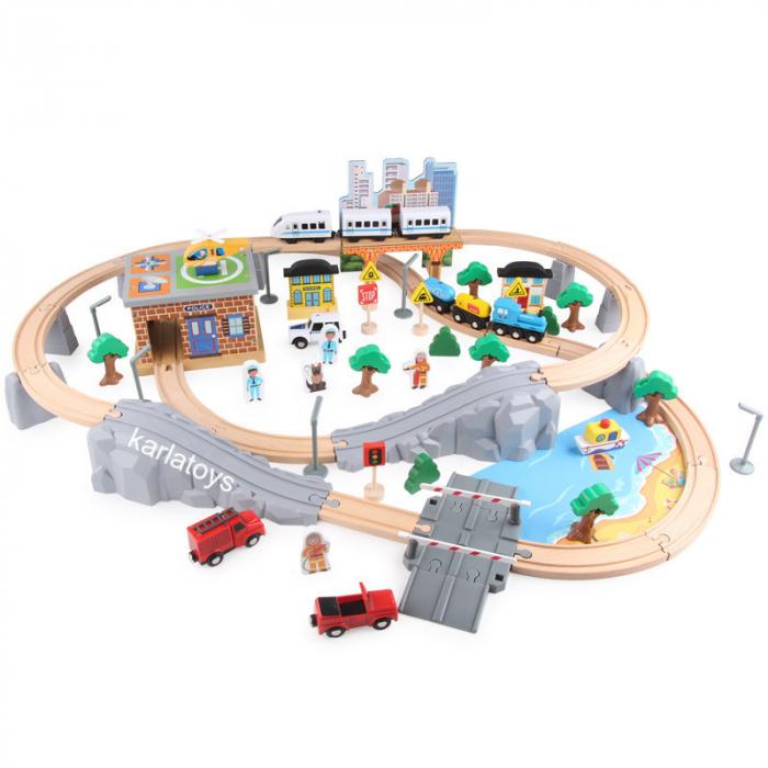 Set Mare Circuit de Tren din lemn cu poduri si Tren electric [0]