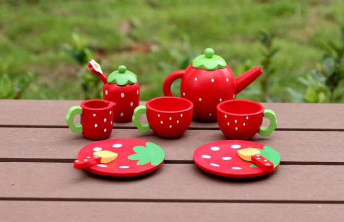 Set joc lemn Cutia de picnic Capsuni 6
