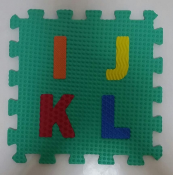 Set puzzel 10 piese cifre si litere - Covoras puzzle Litere si Cifre 4