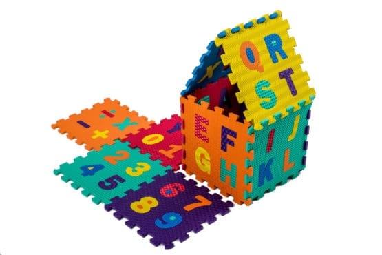 Set puzzel 10 piese cifre si litere - Covoras puzzle Litere si Cifre 0
