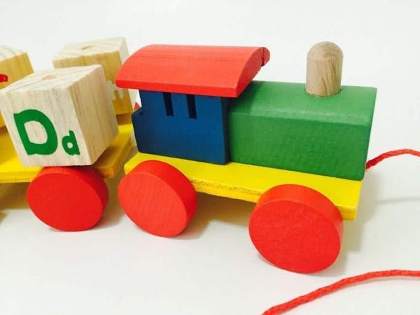 Tren din Lemn cu Cuburi Rotative Cifre si Litere 2