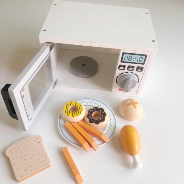 Cuptor cu microunde din lemn si accesori pentru copii 2