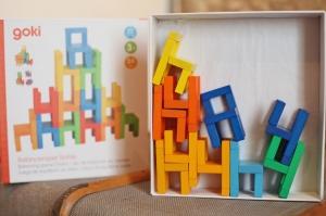 Joc din lemn Echilibru Scaunele colorate Goki4