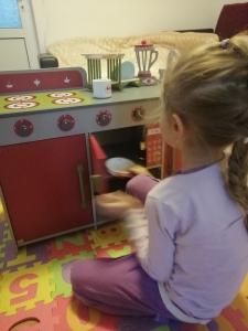Bucatarie de Lemn copii Dubla European Kitchen cu Accesorii2