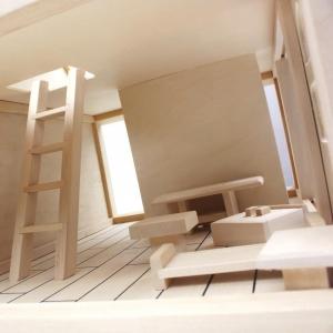 Casuta din lemn pentru papusi cu mobilier4